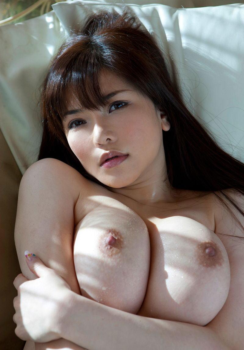 美乳 巨乳 寝乳 綺麗 仰向け おっぱい エロ画像【30】