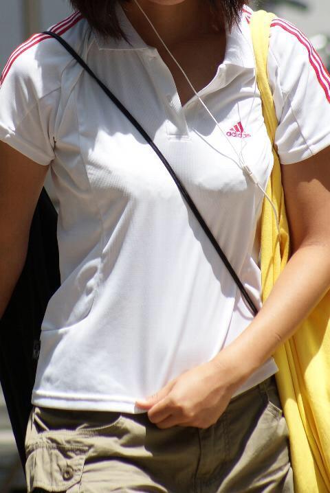 貧乳 おっぱい パイスラ たすき掛け 街撮り エロ画像【25】