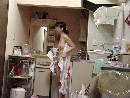 家の中 熟女 人妻 無防備 無警戒 エロ画像【6】
