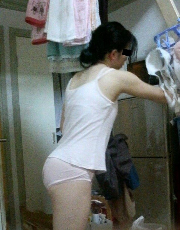 家の中 熟女 人妻 無防備 無警戒 エロ画像【15】