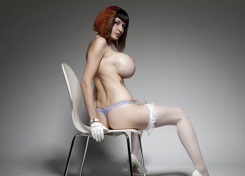 外国人 巨乳 横乳 おっぱい サイドビュー エロ画像【15】