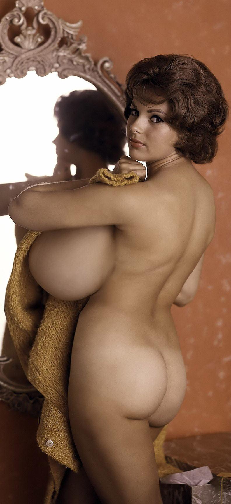 外国人 巨乳 横乳 おっぱい サイドビュー エロ画像【17】