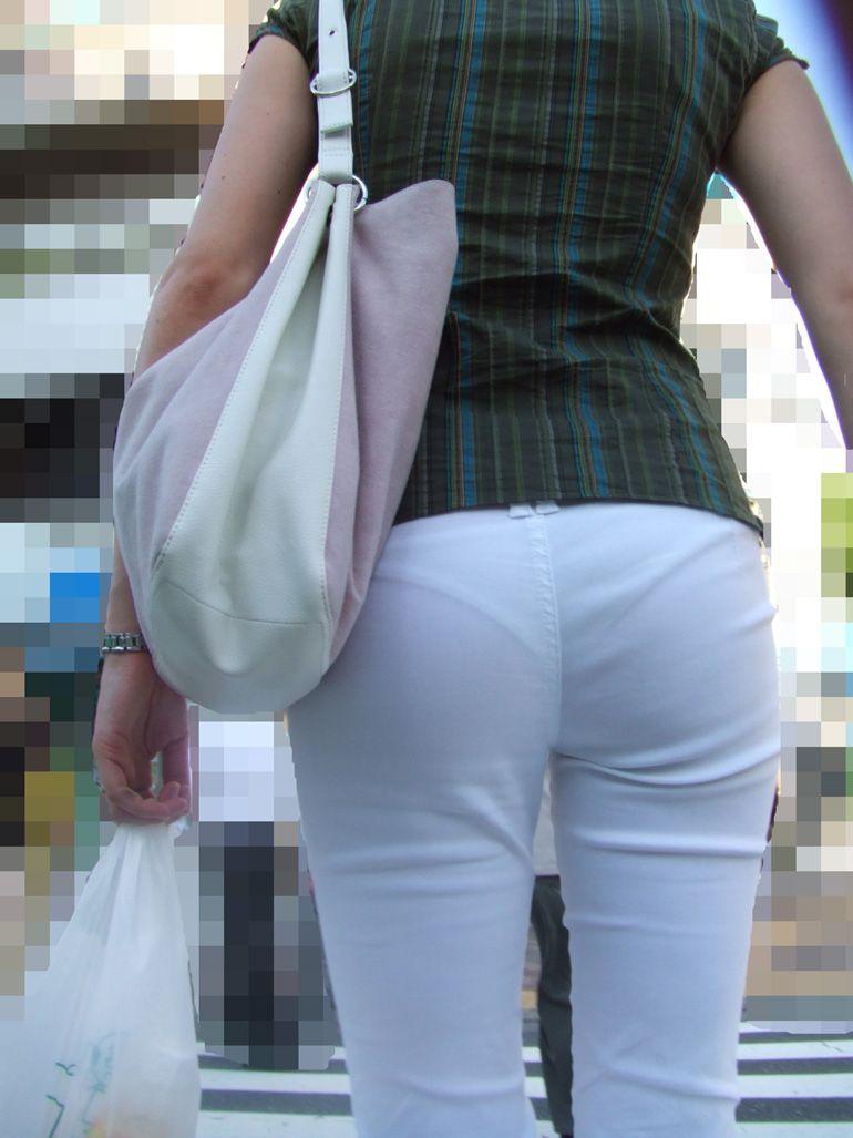 透け透けパンティライン パンティライン 透ける 白パンツ 街撮り エロ画像【41】
