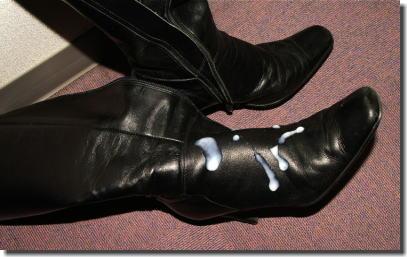 靴に精子をぶっかけたレディースシューズザーメン画像 ②