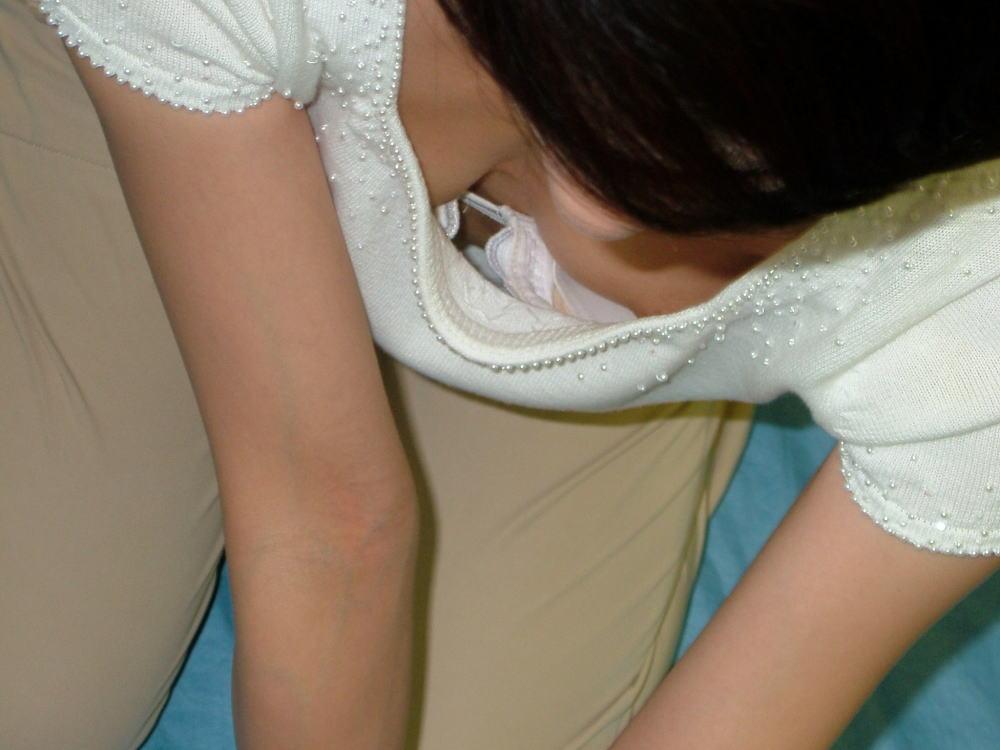 襟元 ガバガバ 胸元 パックリ 胸チラ エロ画像【43】
