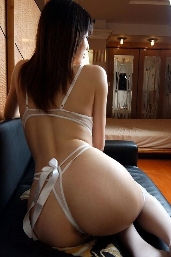 下着 後ろ姿 セクシー 背中 エロ画像【17】
