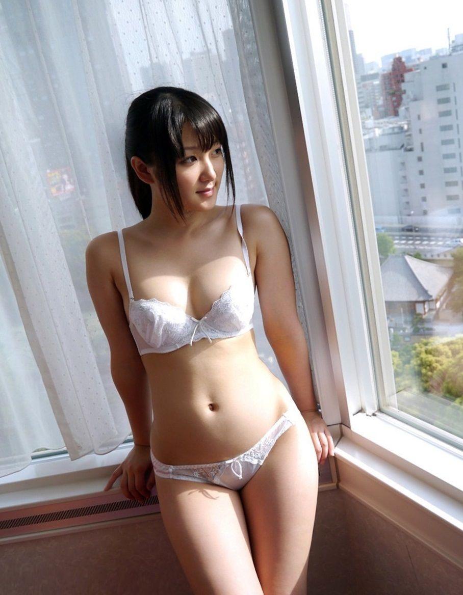 女子高生 エロ 下着 パンツ ブラ 白色下着 清楚 ランジェリー エロ画像【20】