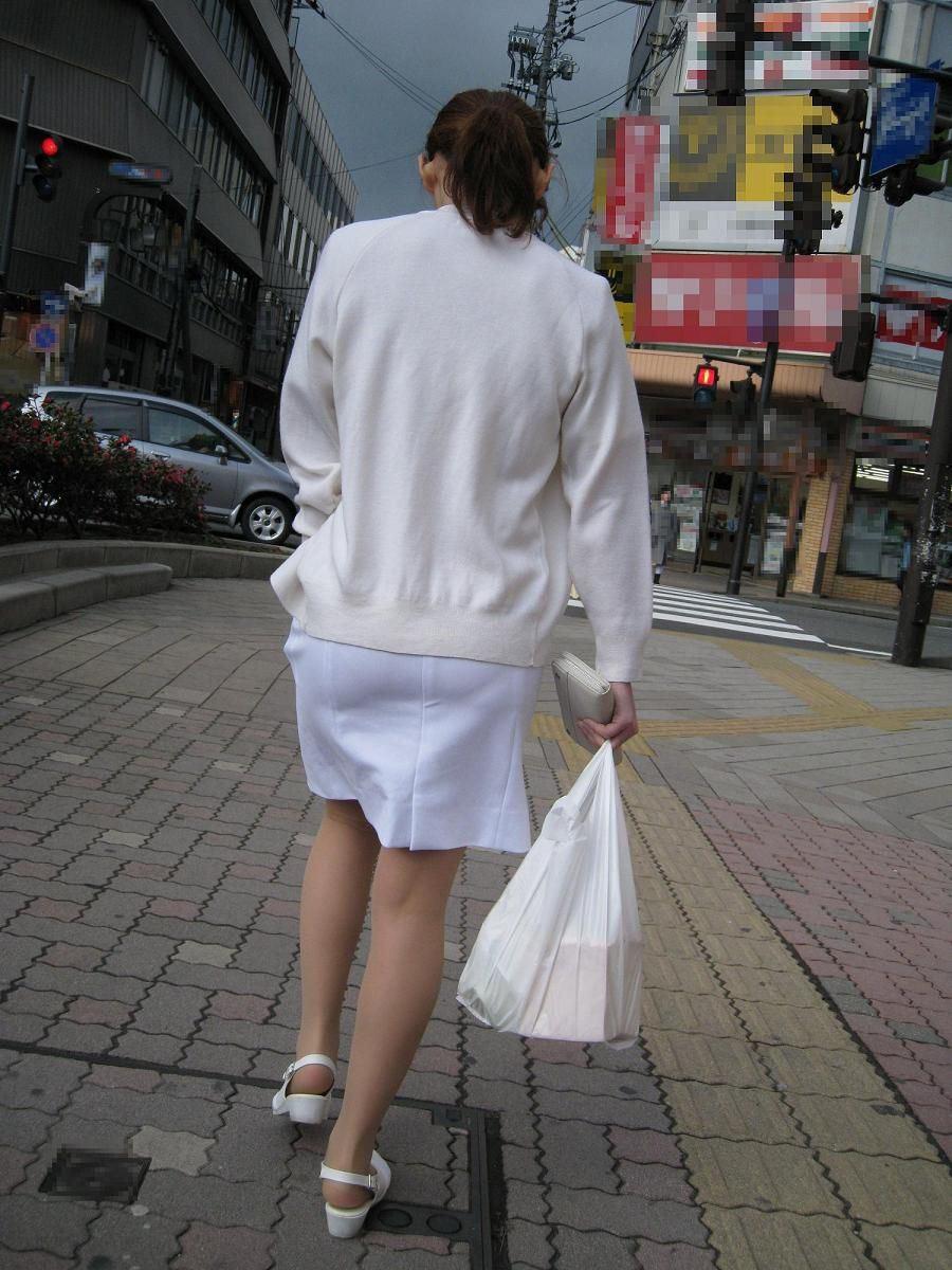 ナース お尻 パンティライン 白衣 透けパン エロ画像【17】