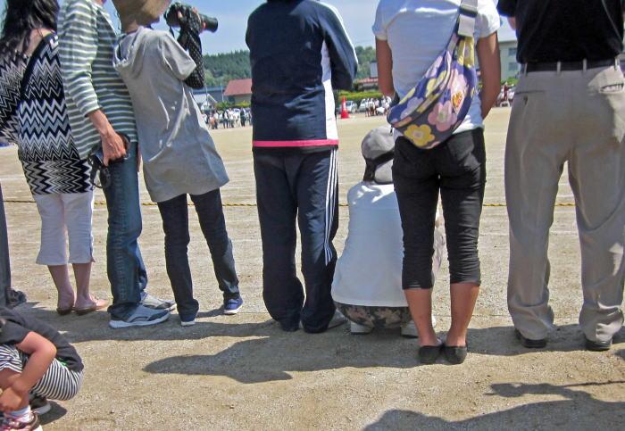 運動会でデニム好きが撮った人妻画像wwwwwww