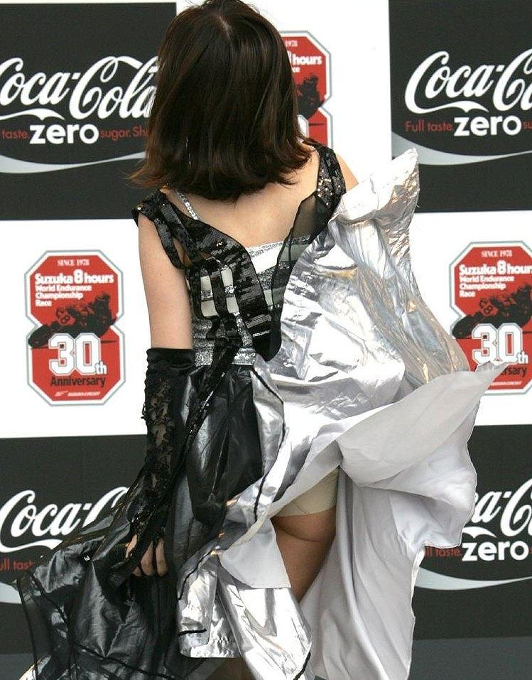 キャンギャル コンパニオン イベント パンチラ エロ画像【26】