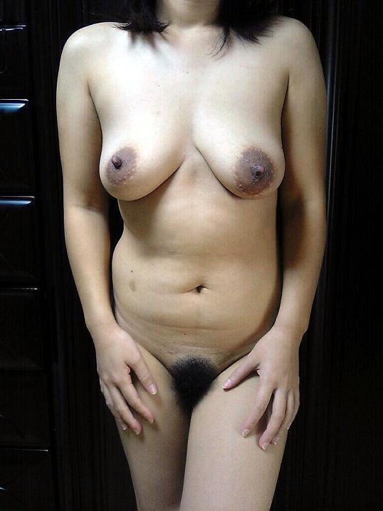熟女 直立 ヌード おばさん 全裸 気をつけ エロ画像【8】