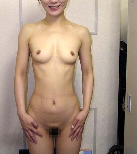 熟女 直立 ヌード おばさん 全裸 気をつけ エロ画像【26】