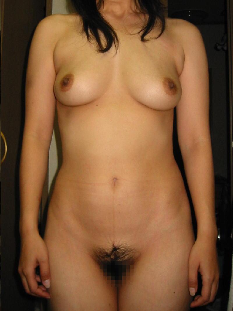 熟女 直立 ヌード おばさん 全裸 気をつけ エロ画像【29】