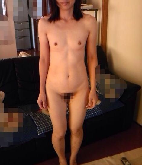熟女 直立 ヌード おばさん 全裸 気をつけ エロ画像【35】