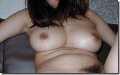 巨乳な彼女を恋い慕う素人おっぱいのエロ画像 ③