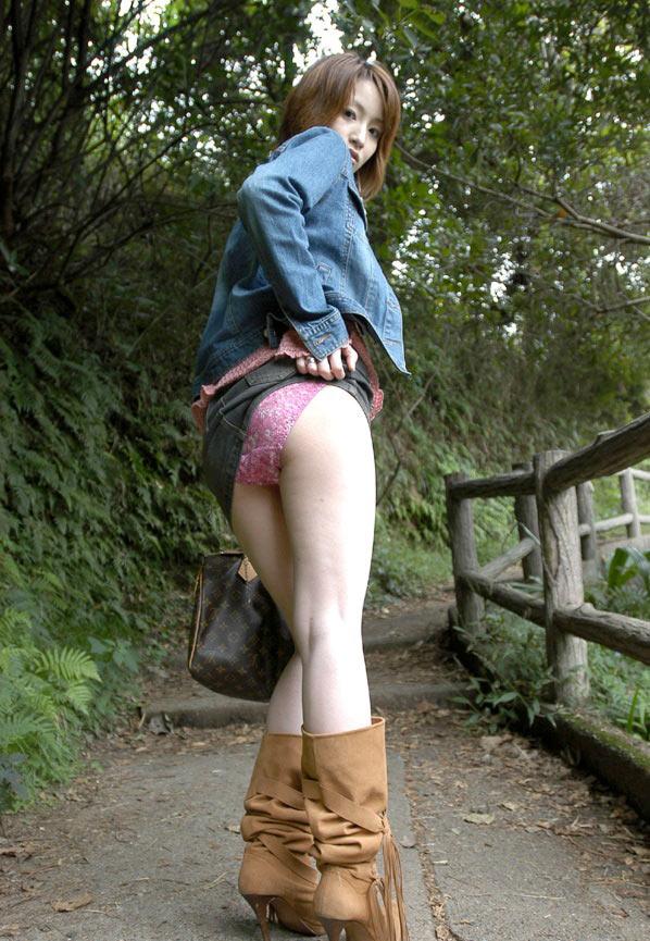 お尻 捲る スカート たくし上げ エロ画像【39】
