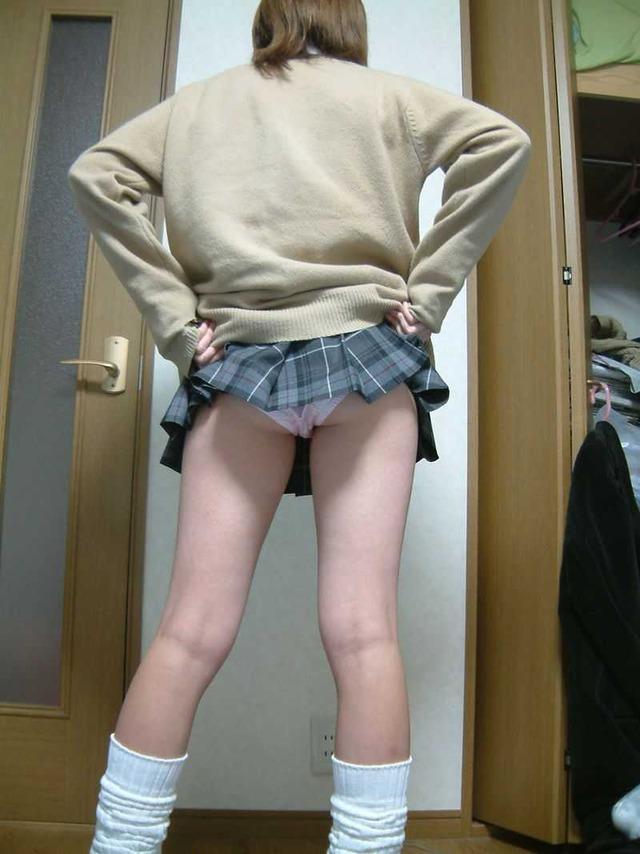 お尻 捲る スカート たくし上げ エロ画像【45】