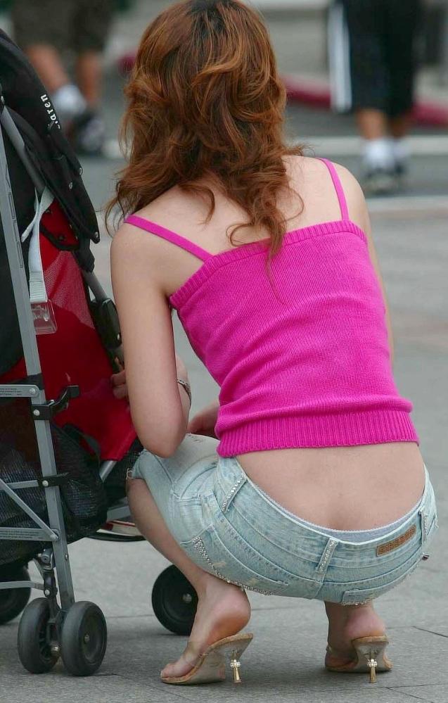 ヤンママ パンチラ 10代 20代 若い 人妻 パンツ エロ画像【21】