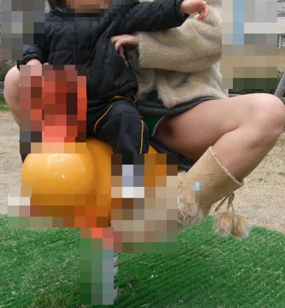 ヤンママ パンチラ 10代 20代 若い 人妻 パンツ エロ画像【48】