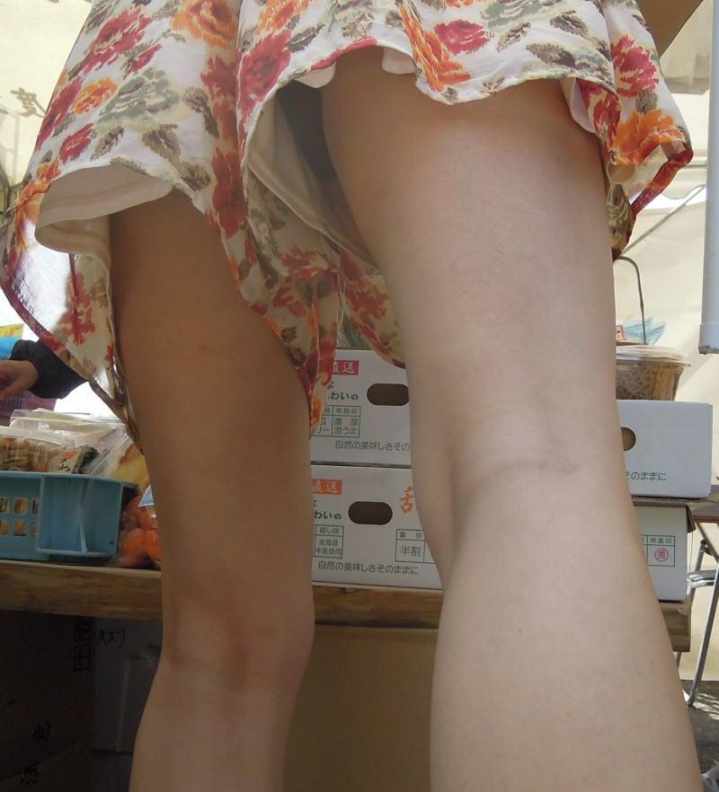 キュロット 隙間 パンツ 逆さ撮り パンチラ エロ画像【18】