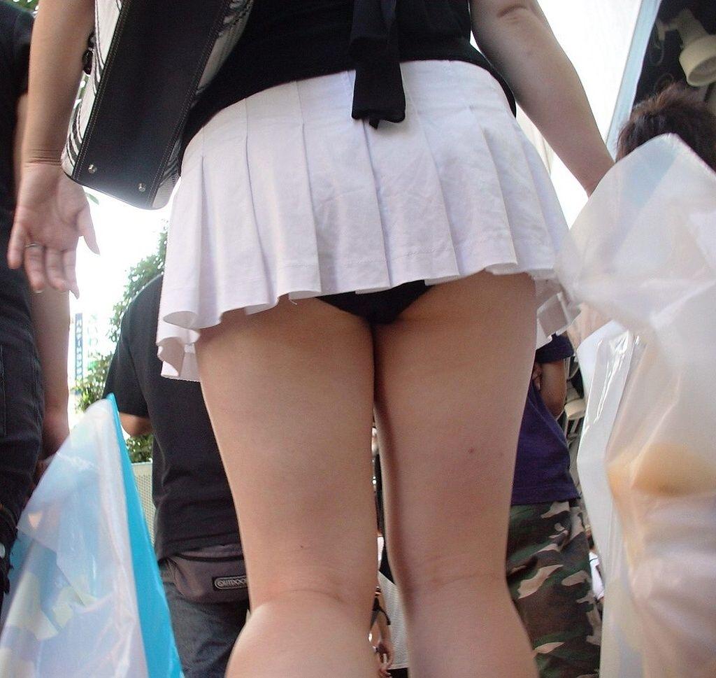 透けすけ下着丸見えミニスカート