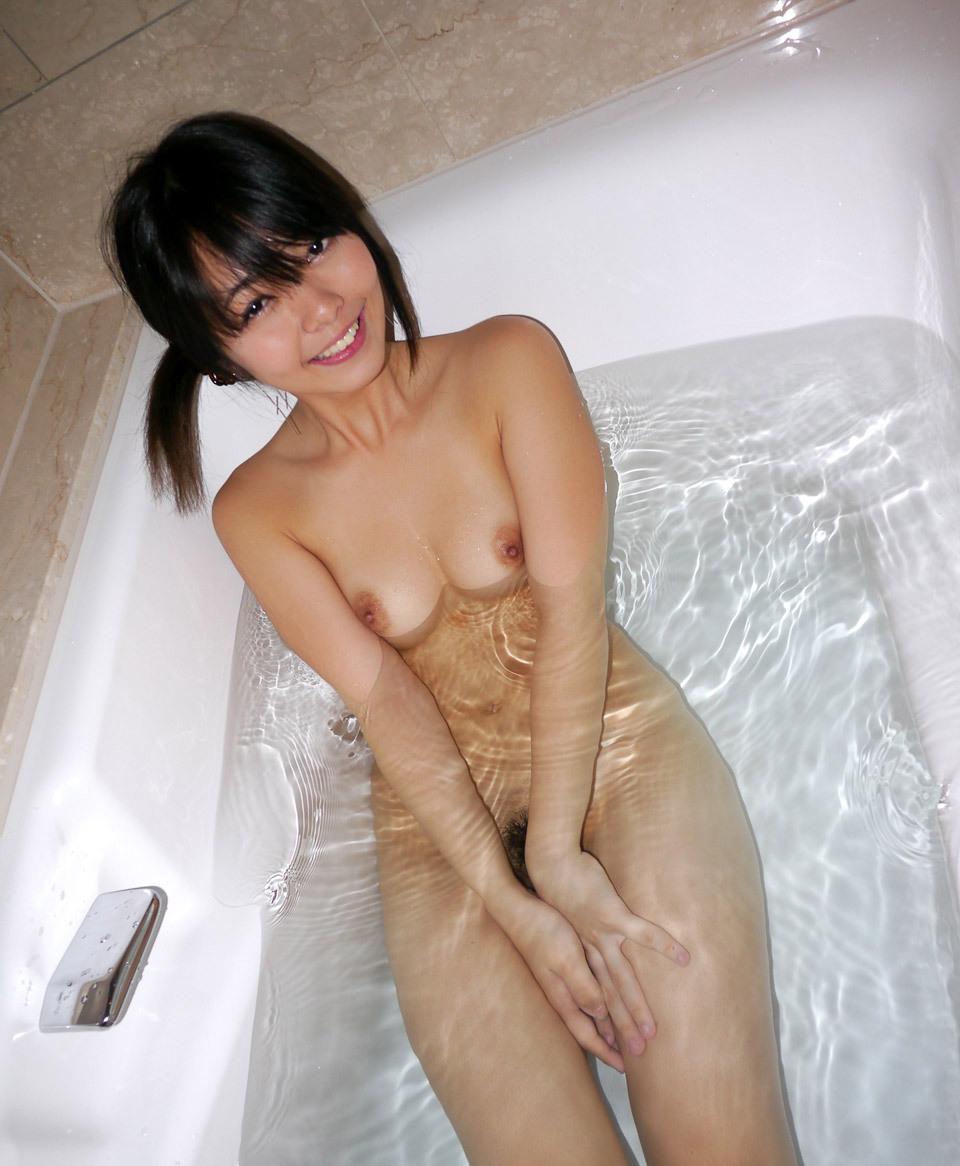 貧乳 お風呂 ぺちゃぱい 入浴 エロ画像【10】