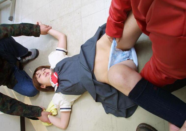 洋服 下着 脱がす男 脱がされる女 エロ画像【41】
