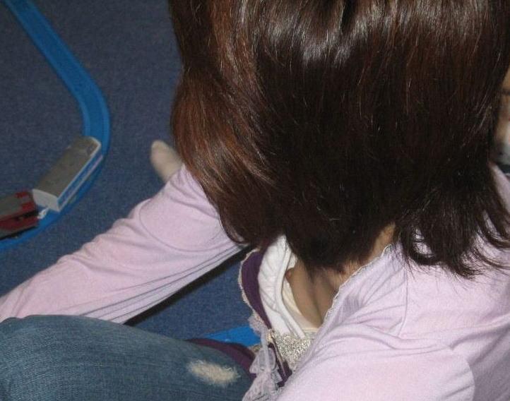 おばさん 乳首 熟女 胸チラ ハプニング エロ画像【9】