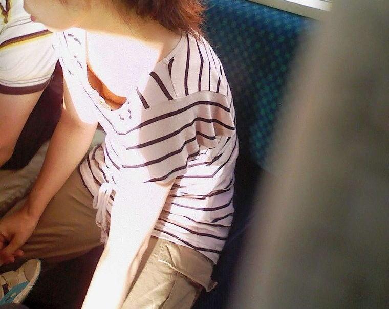 おばさん 乳首 熟女 胸チラ ハプニング エロ画像【28】