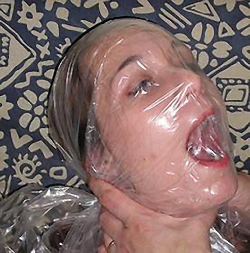 窒息プレイ ビニール袋 被る 息苦しい エロ画像【29】