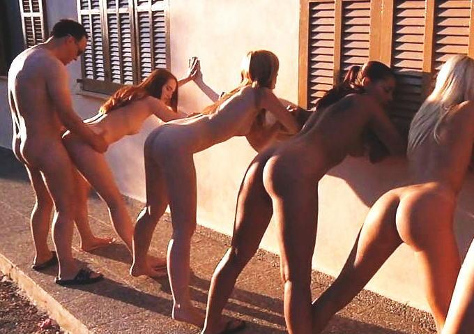 外国人 立ちバック スタンドアップ セックス エロ画像