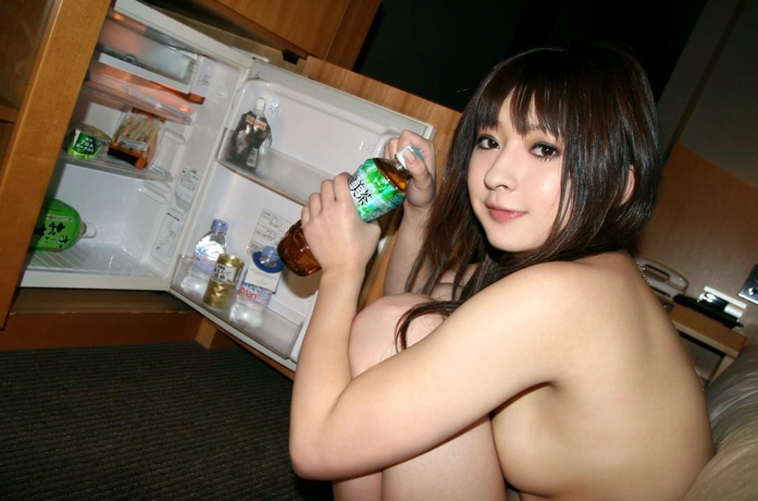 全裸 冷蔵庫 日本人 外国人 比較 エロ画像【10】