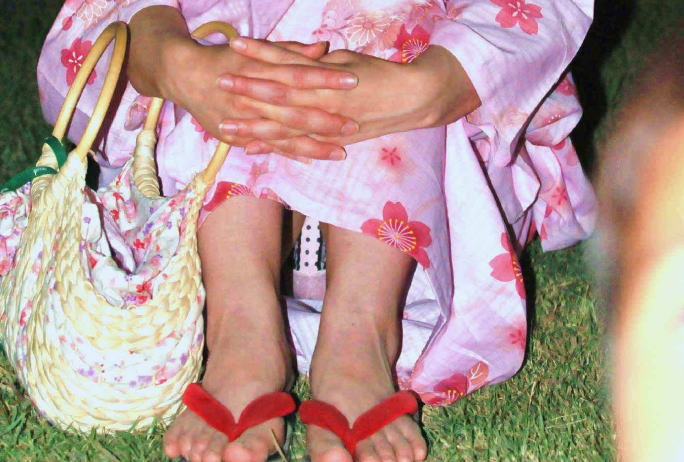 夏祭り&浴衣パンチラの季節キタ━━(゚∀゚)━━wwwwwww