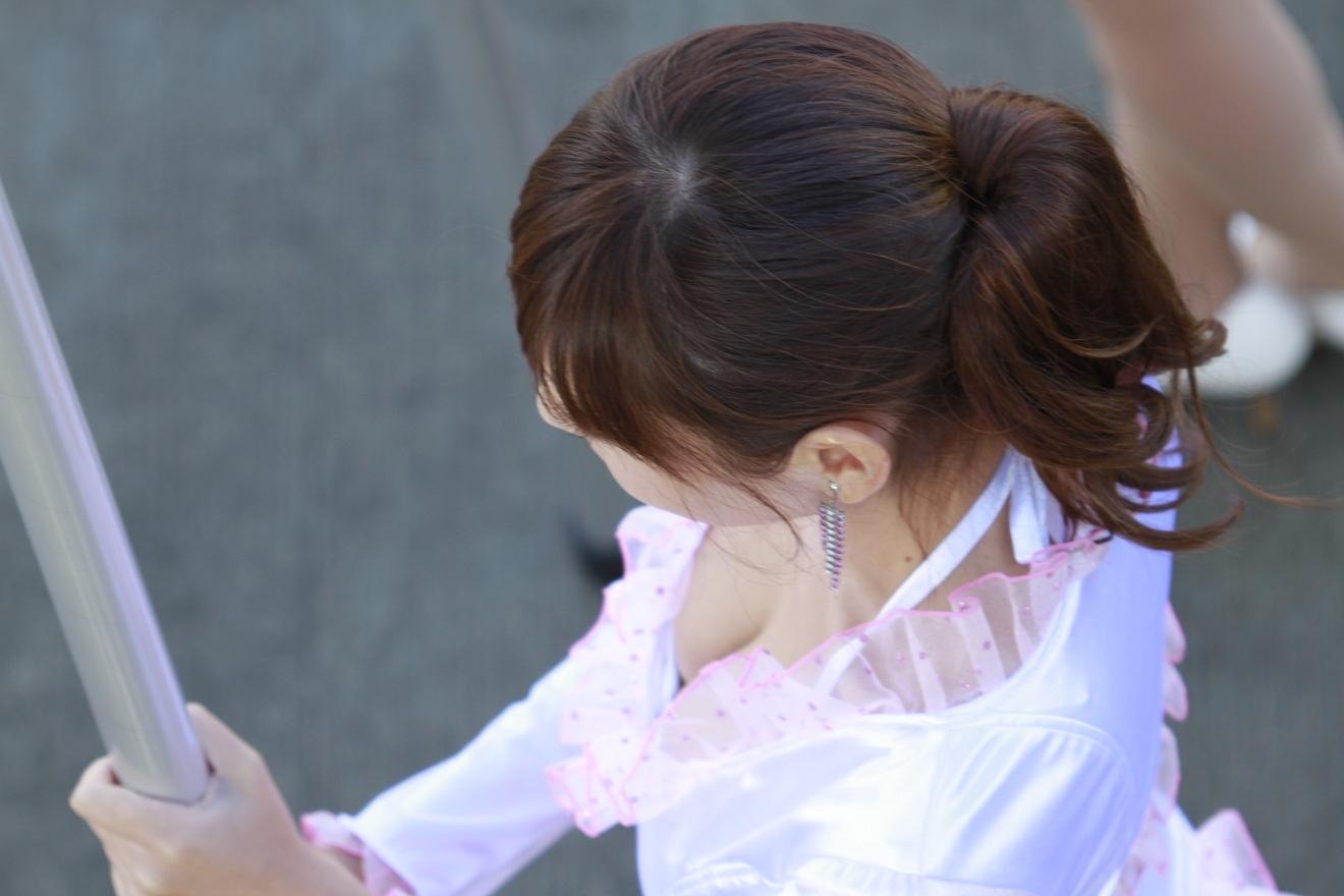 胸チラ 乳首チラ キャンギャル コンパニオン 胸元 エロ画像【20】