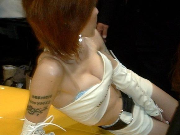 胸チラ 乳首チラ キャンギャル コンパニオン 胸元 エロ画像【29】