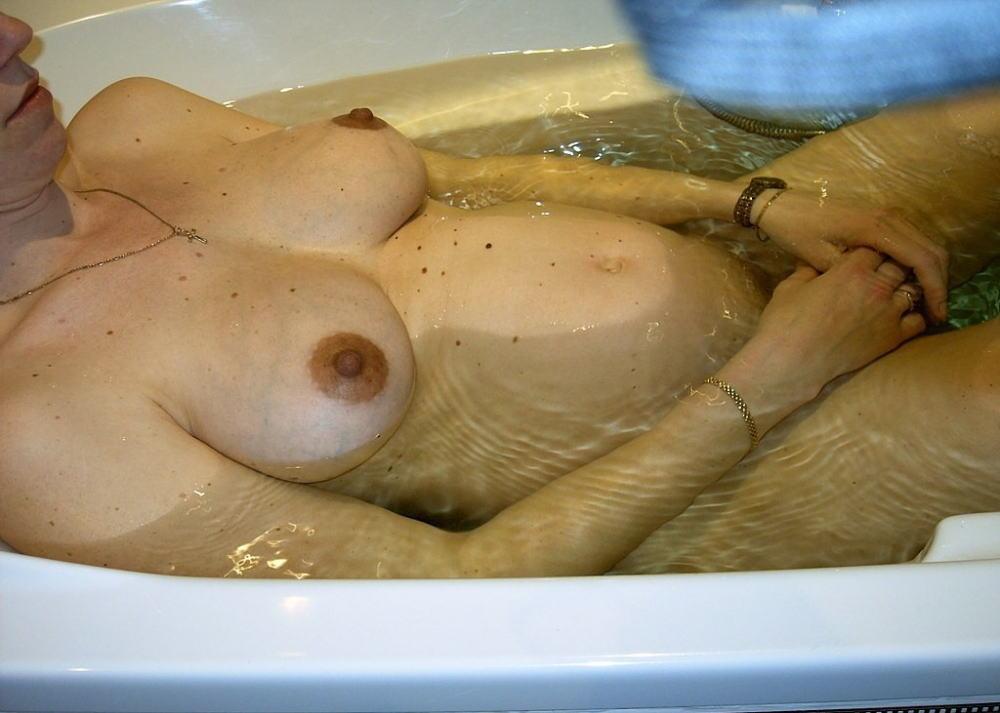 妊婦 お風呂 バスタイム 妊娠中 入浴 エロ画像【5】