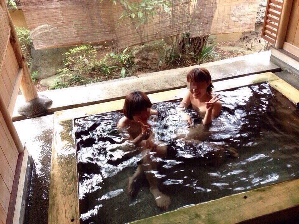 お風呂 おふざけ 記念写真 エロ画像【8】