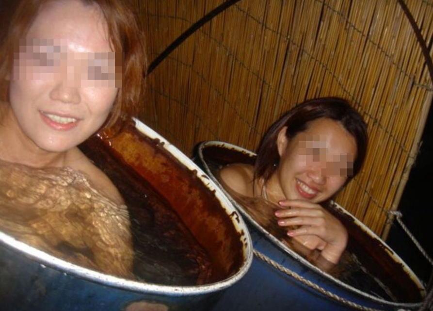 お風呂 おふざけ 記念写真 エロ画像【17】