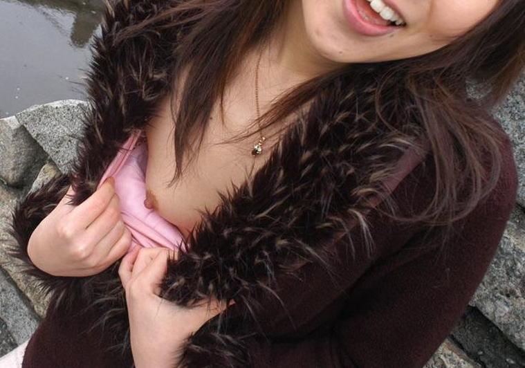 おっぱい 服 ポロリ 着衣 生乳 エロ画像【42】