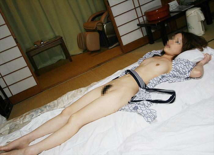 日本人 浴衣 前開き はだける 風流 エロ画像【26】