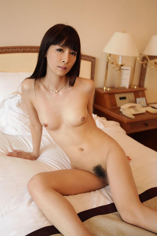 綺麗 おばさん 全裸 美熟女 ヌード エロ画像【2】