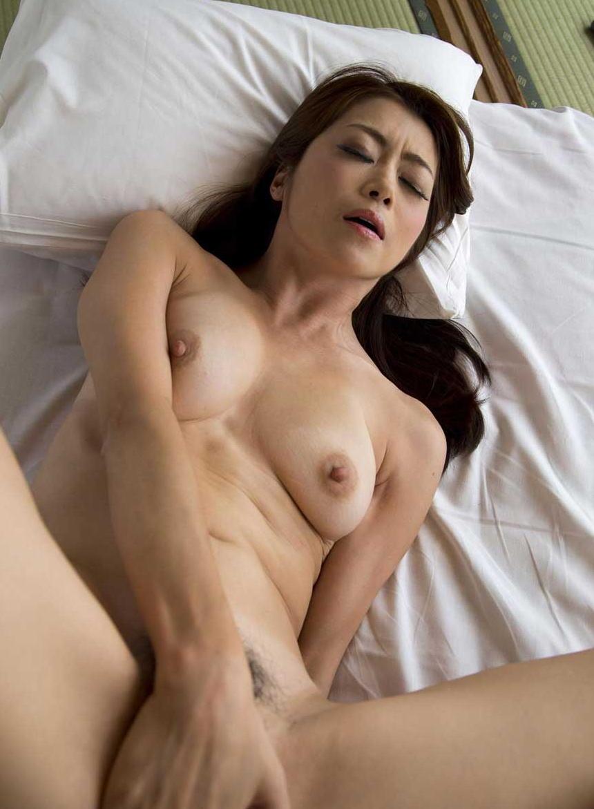 綺麗 おばさん 全裸 美熟女 ヌード エロ画像【5】