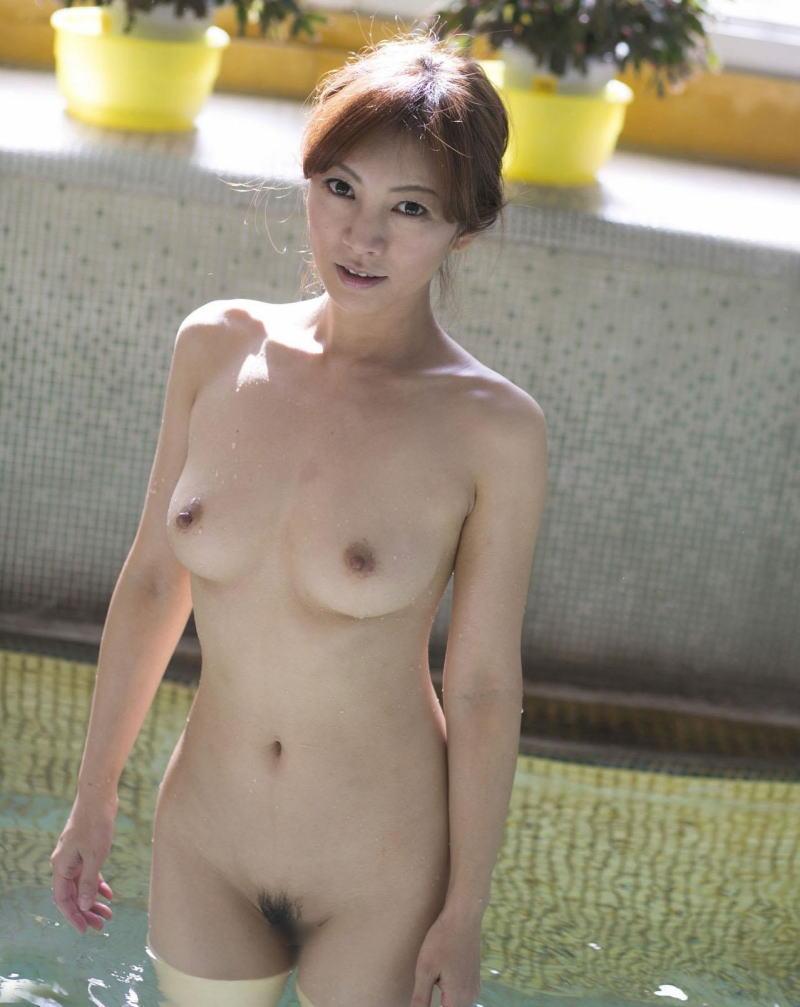 綺麗 おばさん 全裸 美熟女 ヌード エロ画像【9】