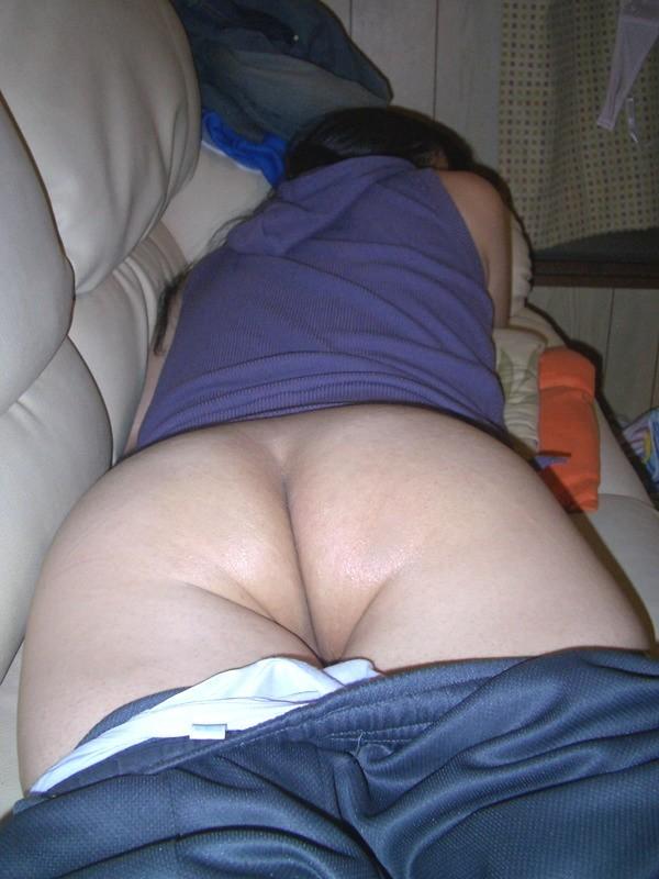 おばさん うつ伏せ お尻 寝転び 熟女 寝尻 エロ画像【17】