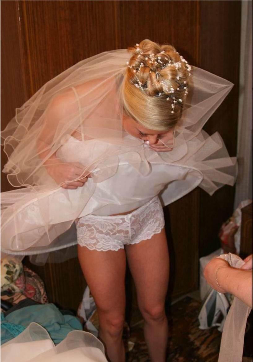 結婚式 パンチラ 外国人 花嫁 エロ画像【8】