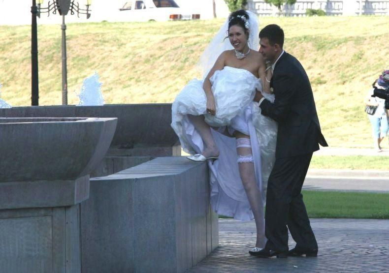 結婚式 パンチラ 外国人 花嫁 エロ画像【12】