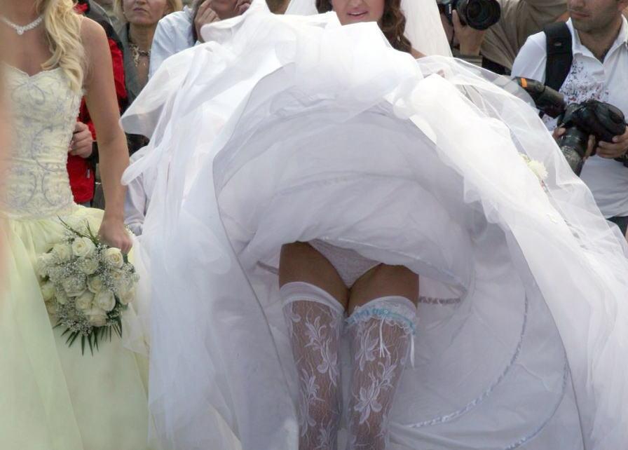 結婚式 パンチラ 外国人 花嫁 エロ画像【13】