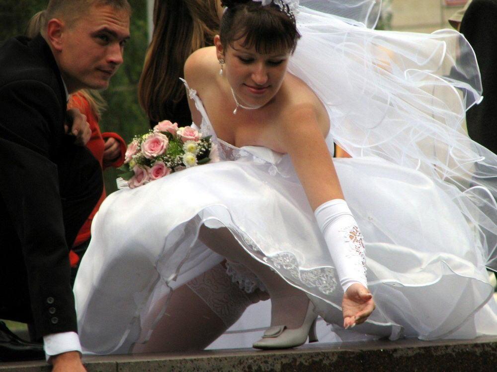結婚式 パンチラ 外国人 花嫁 エロ画像【15】
