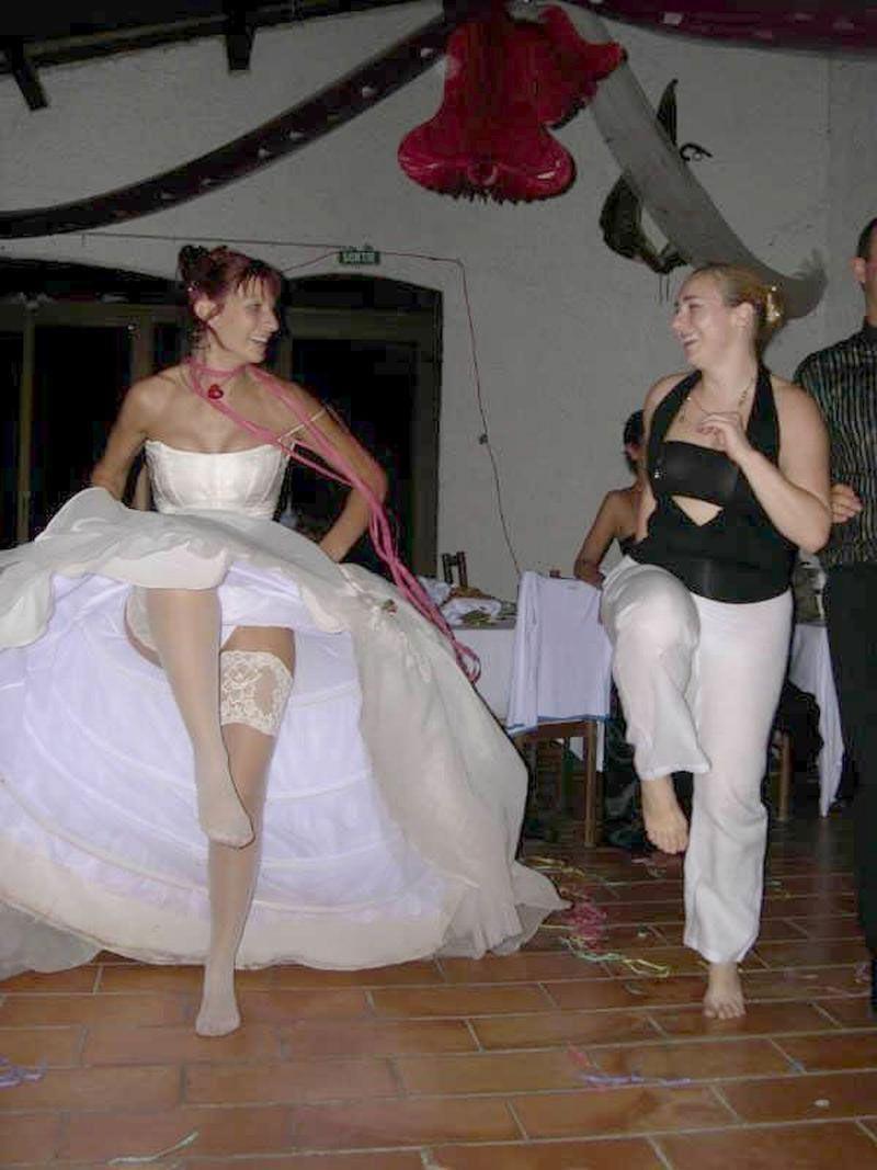 結婚式 パンチラ 外国人 花嫁 エロ画像【21】