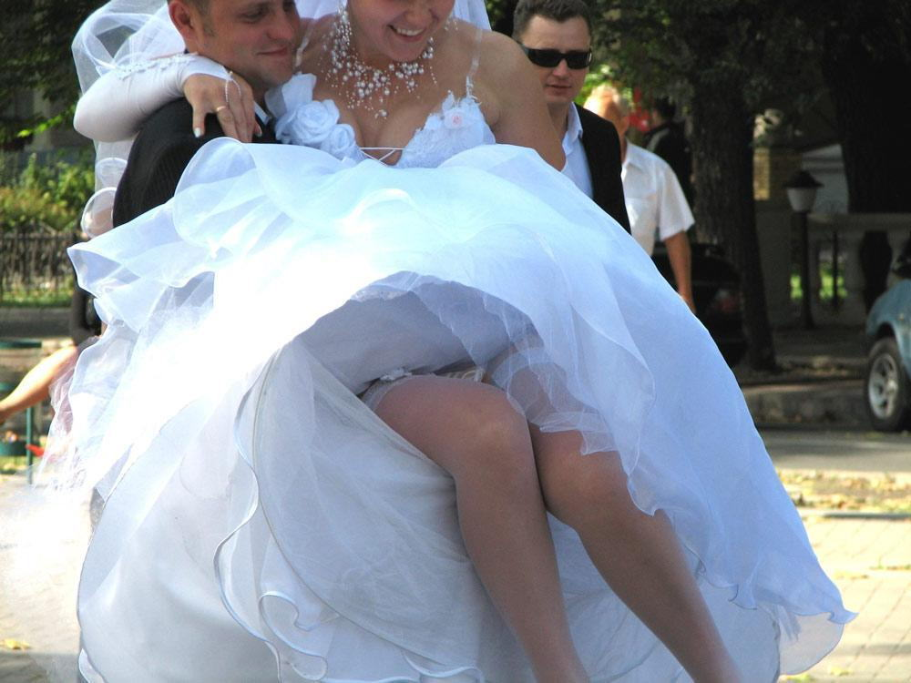結婚式 パンチラ 外国人 花嫁 エロ画像【22】